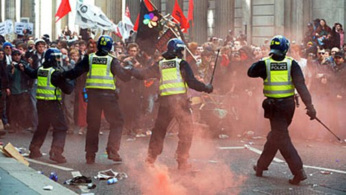 London Riots: A Blow for Indie Music Labels!