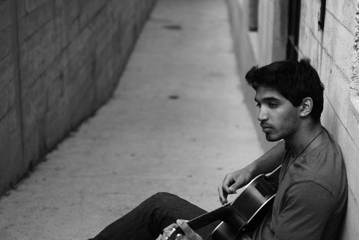 """AXEL MANSOOR: """"The Inside Voices"""" – The Glory Of The Acoustic Guitar"""