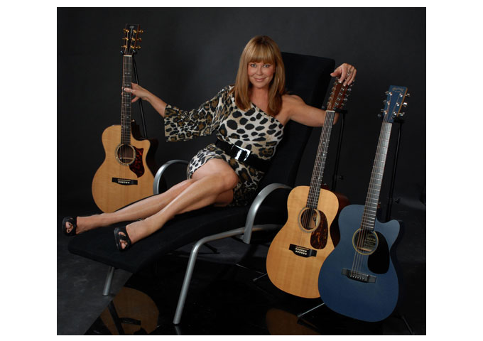 Lynne Taylor Donovan Sings with Fierce Certainty and Gentle Poignancy
