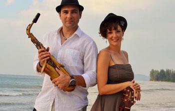 Ricardo Ruiz & Roberta De Francia