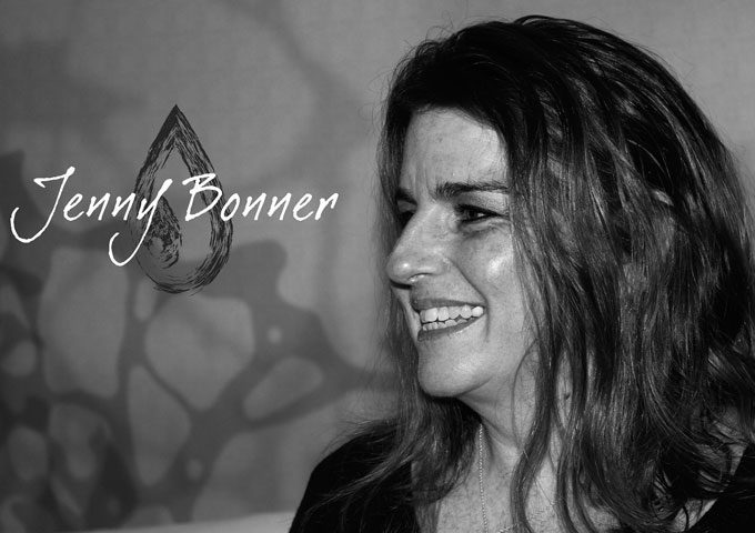 """Jenny Bonner: """"Moments"""" – enchants and entertains me in a majestic way"""