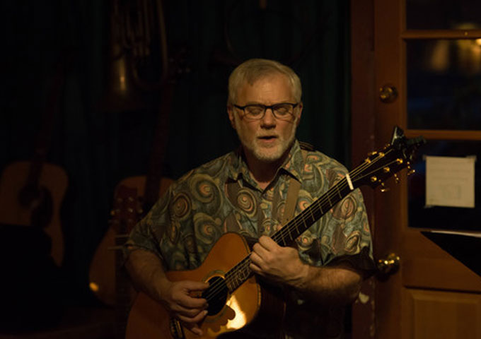 """""""The View from This Horizon"""" – Interview with Singer-songwriter Howard Simon"""