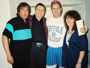 "Donny Richmond, Stonewall Jackson, Garth Brooks, unidentified lady, in studio for ""Stonewall Jackson & Super Friends"" Album"