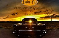 "Twin.Fin: ""Whisky Wine and Venom Love"" – a wild, colorful patchwork of different sounds and styles"