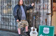 "John Kingsley: ""Storms"" – compelling acoustic dynamics"