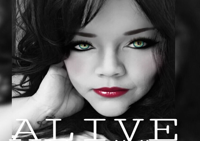 "Julian Kelly: ""Alive"" – a sophisticated lyrical expression"