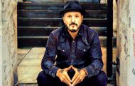 """Chris Sullivan: """"By The Light Of The Radio"""" delivers polished music with a raw edginess"""